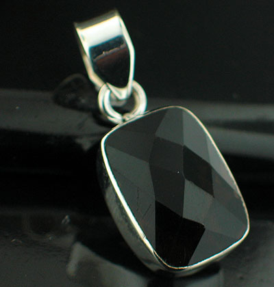 wholesale Sterling Silver Gemstone Pendant (pnc118smq)